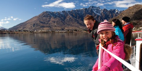Family-cruise-on-Lake-Wakatipu,-winter-web.jpg